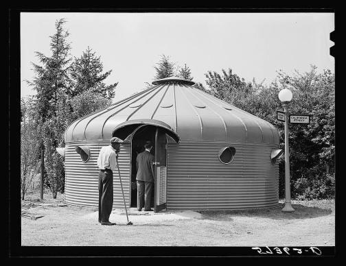 Một căn lều theo nguyên mẫu tắc Dymaxion