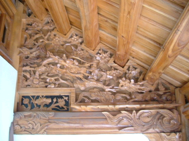 Chạm khắc lộng lèo trên kết cấu gỗ thế hệ mới