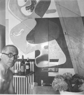 Le Corbusier và một trong số các bức họa