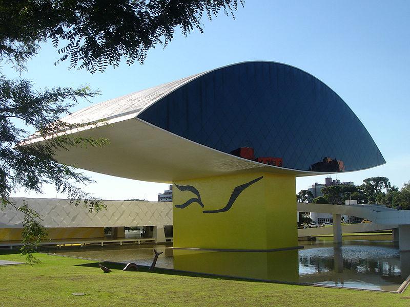 Bảo tàng Oscar Niemeyer, 2002